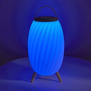 Bluetooth speaker with blue Ambilight SPBT35805WT